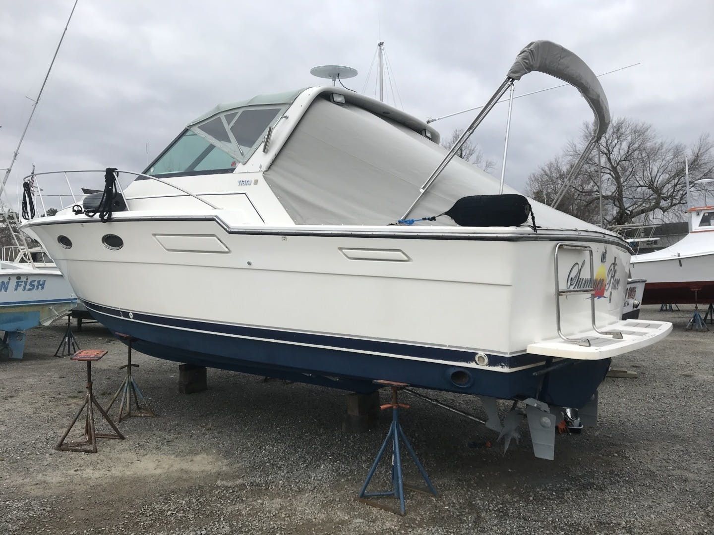 1990 Tiara Yachts 33' 3300 Open Summer Place   Picture 2 of 6
