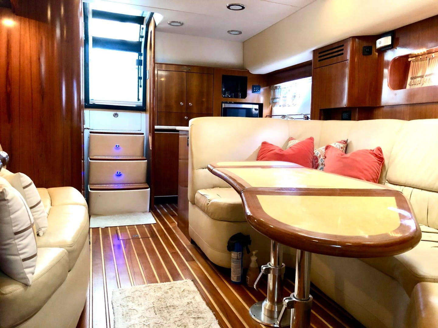 2003 Tiara Yachts 44' 4400 Sovran  | Picture 7 of 40