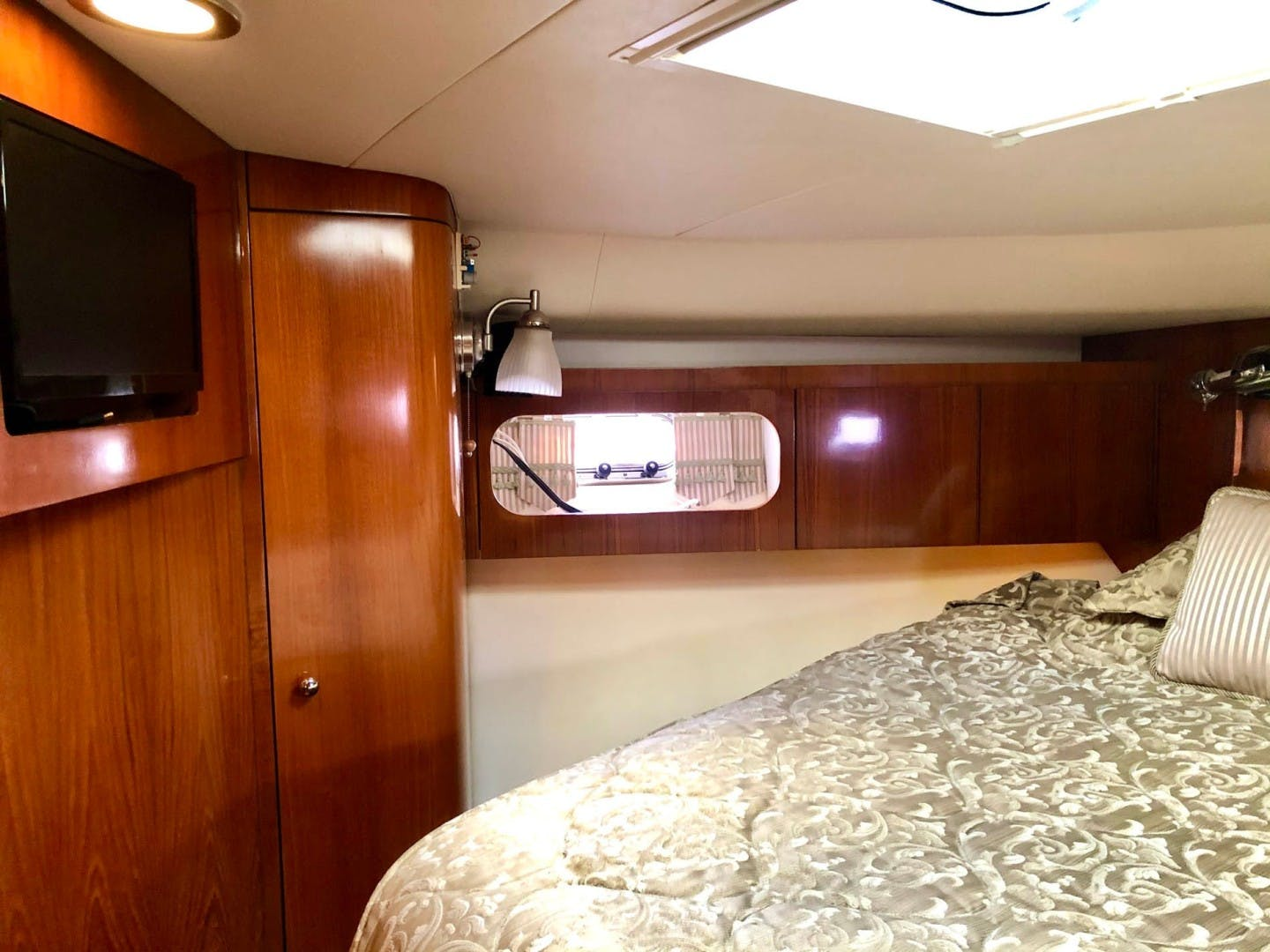 2003 Tiara Yachts 44' 4400 Sovran  | Picture 5 of 40