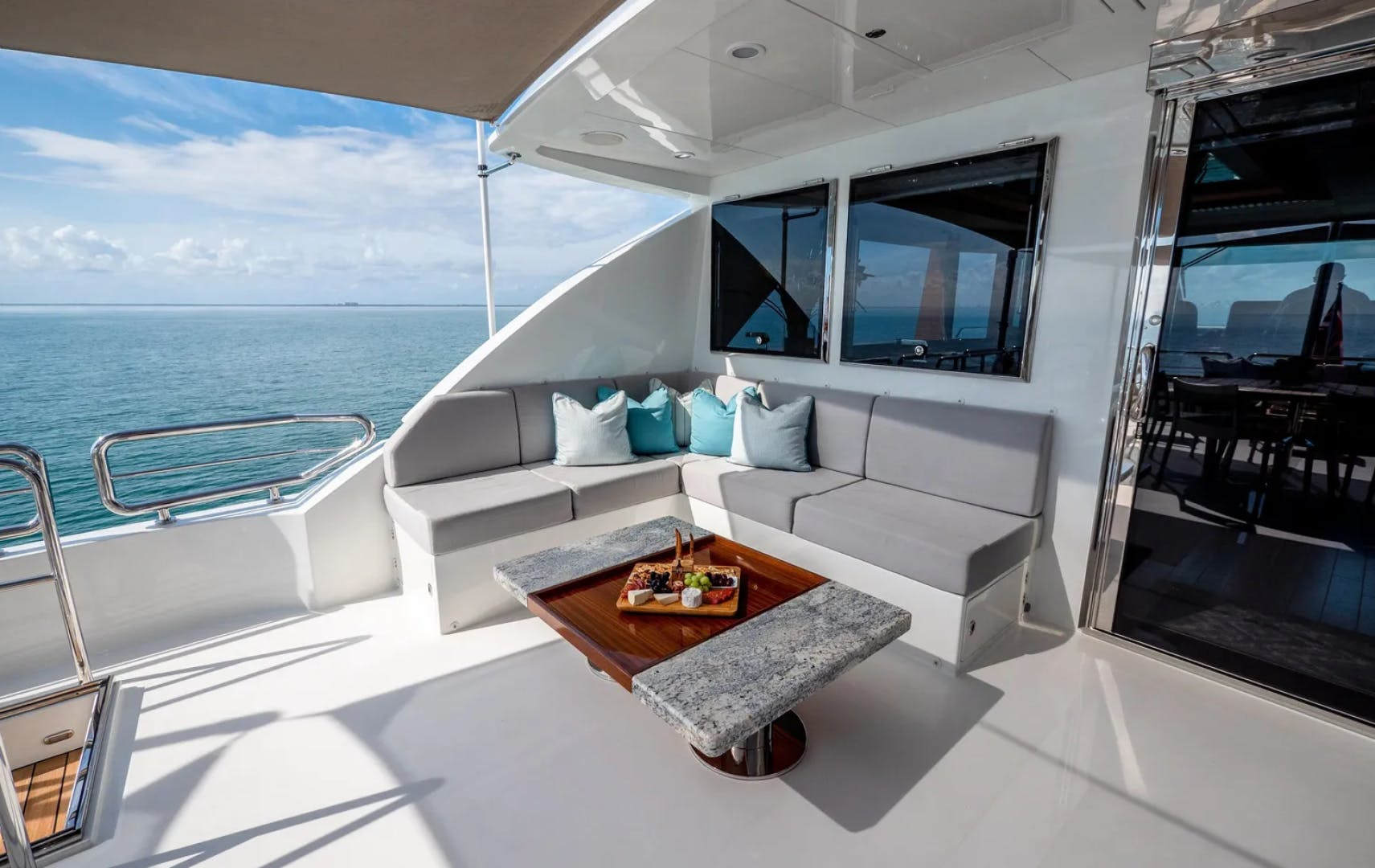2016 Ocean Alexander 100' 100 Skylounge Sea N Sea | Picture 6 of 9