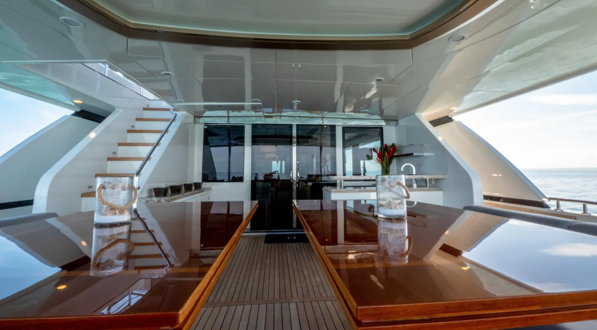 2016 Ocean Alexander 100' 100 Skylounge Sea N Sea | Picture 5 of 9