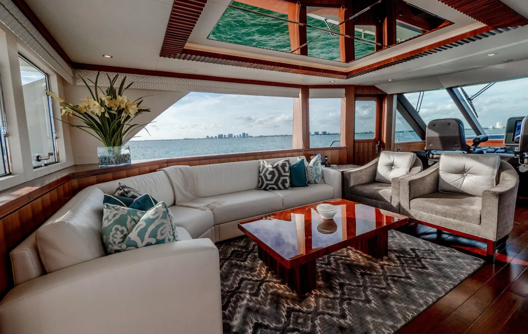 2016 Ocean Alexander 100' 100 Skylounge Sea N Sea | Picture 8 of 9