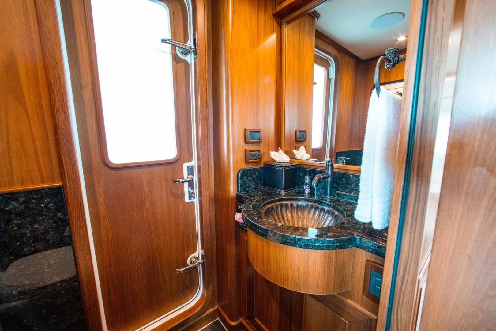2015 Outer Reef Yachts 82' 82 CPMY Barbara Sue II | Picture 3 of 84