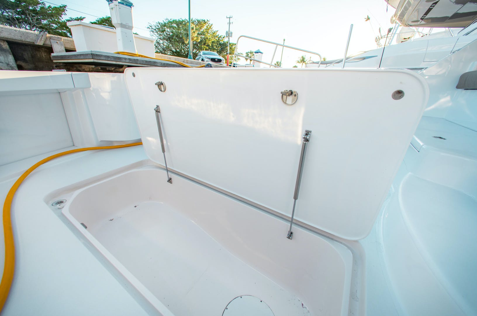 2012 Hatteras 63' 63GT Camille | Picture 6 of 64