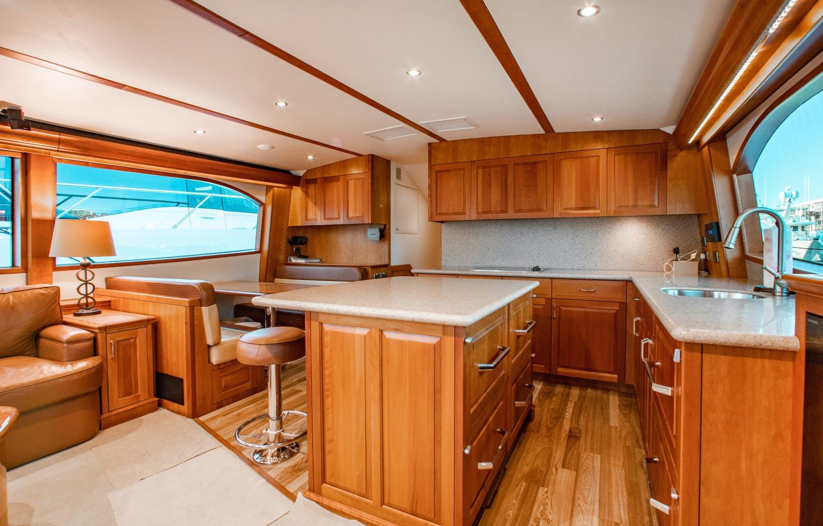 2012 Hatteras 63' 63GT Camille | Picture 5 of 64