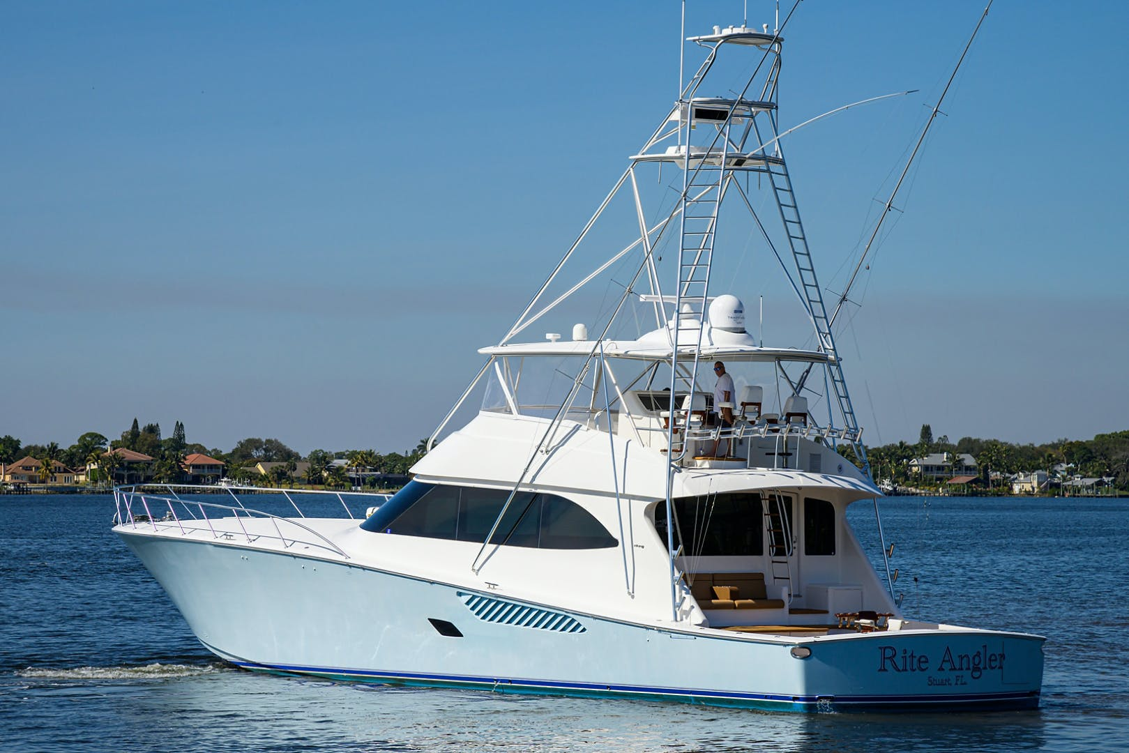 2010 Viking 82' Convertible  RITE ANGLER | Picture 2 of 51