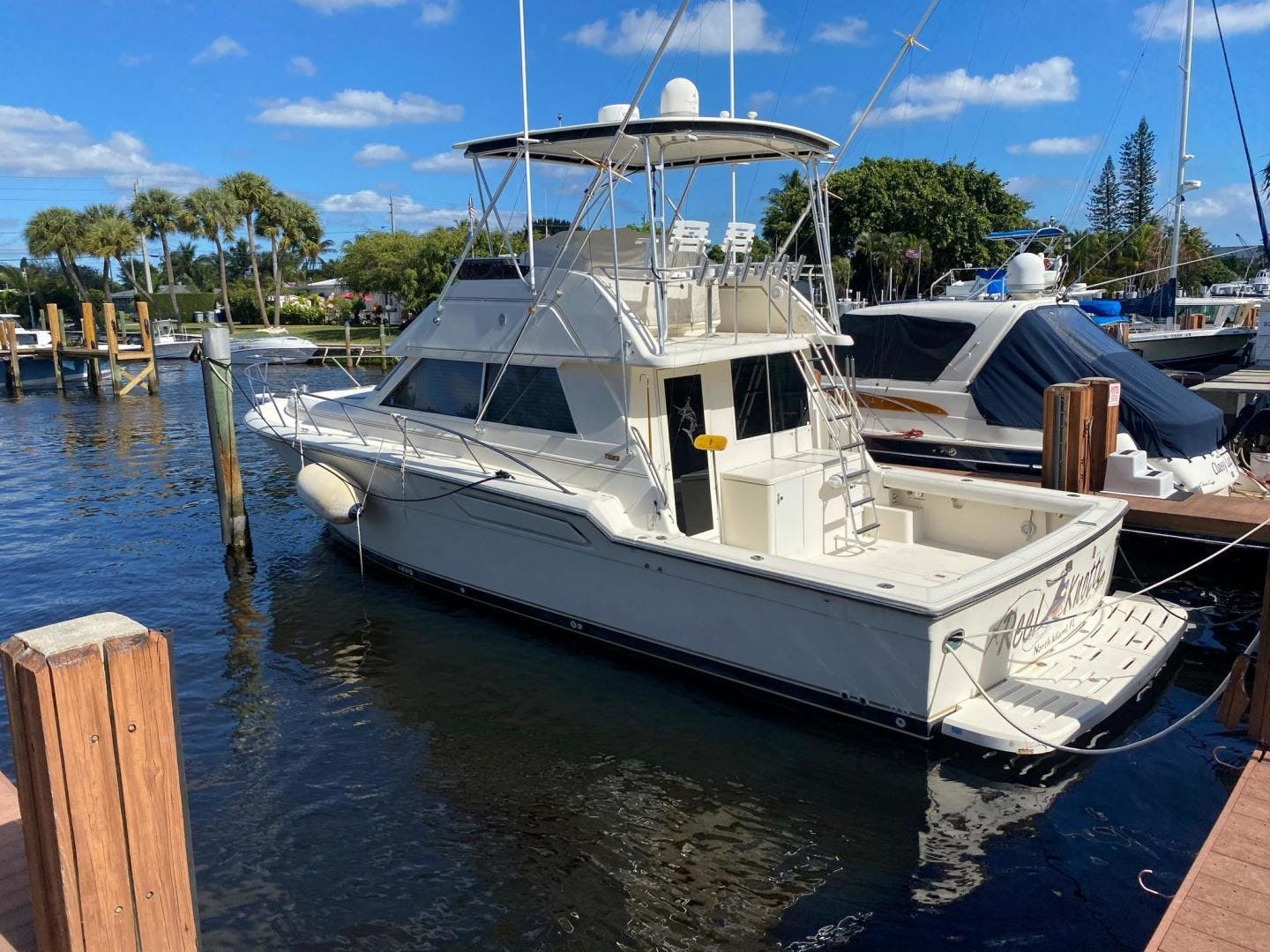 1997 Tiara Yachts 43' Luxury Sportfish Reel Knotty | Picture 2 of 92