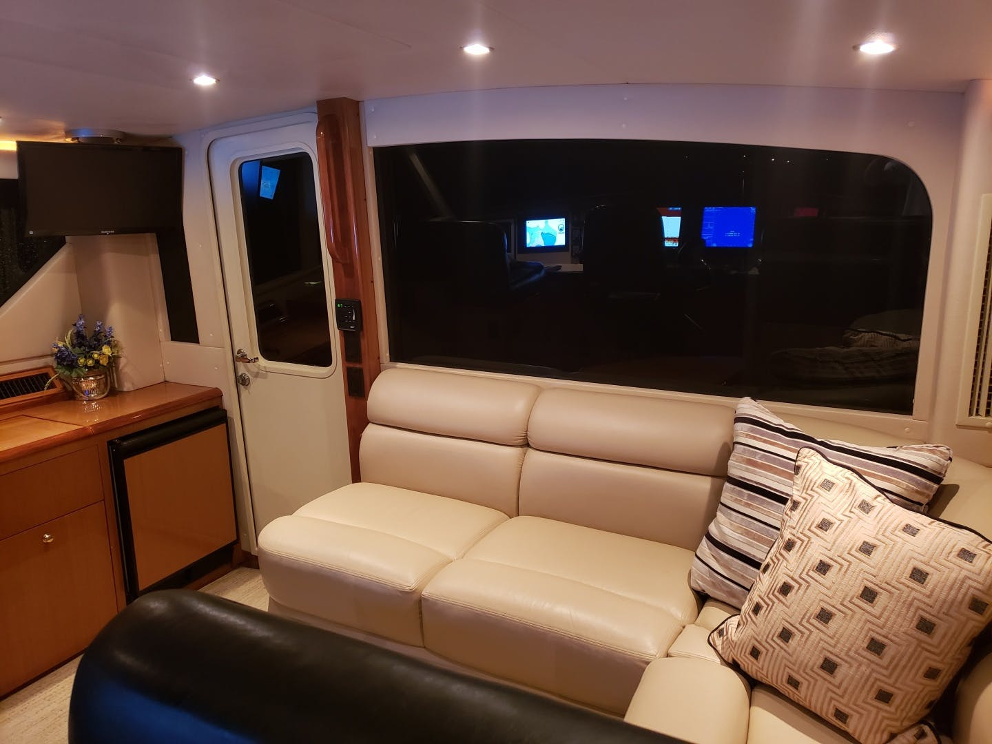 2002 Viking 61' Enclosed Bridge King and I | Picture 8 of 23