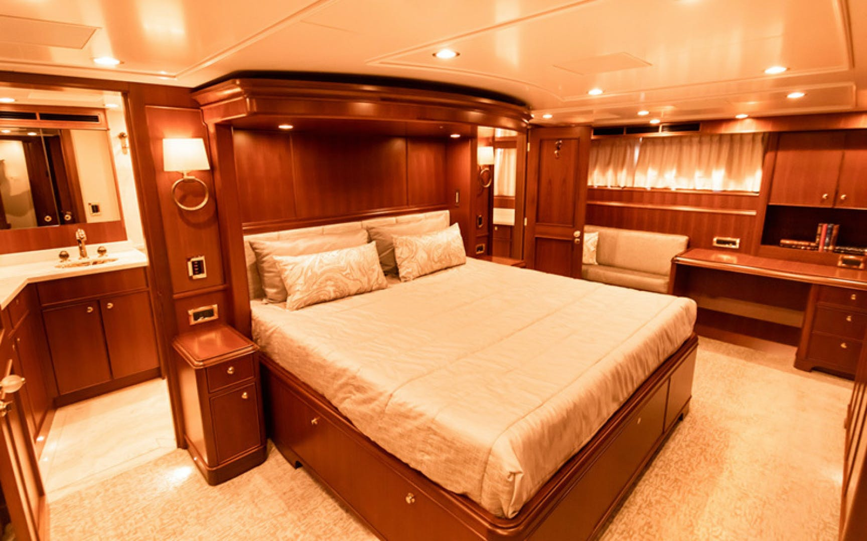 1969 Feadship 105'  Blue  | Picture 6 of 42