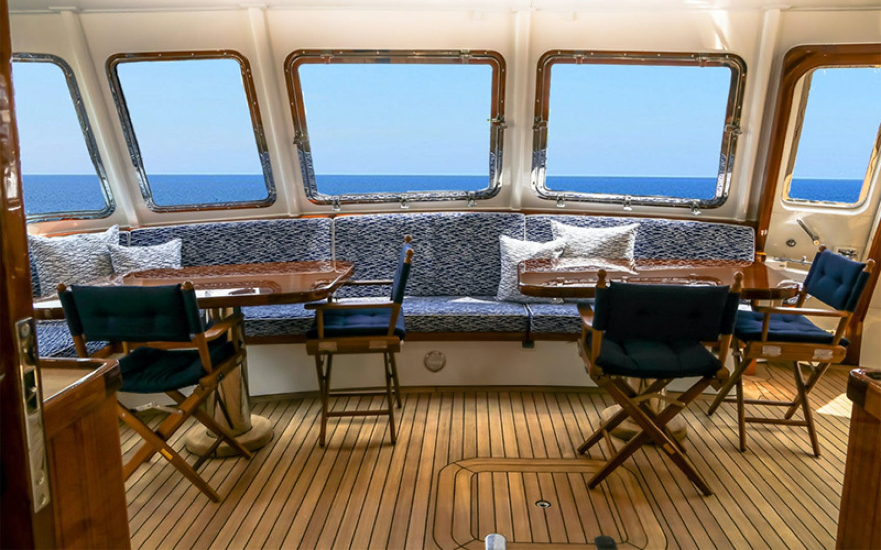 1969 Feadship 105'  Blue  | Picture 3 of 42