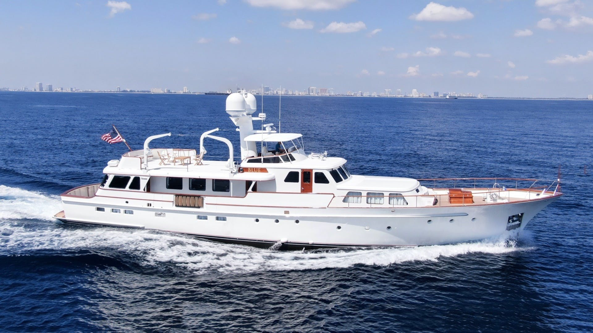 1969 Feadship 105'  Blue  | Picture 5 of 42