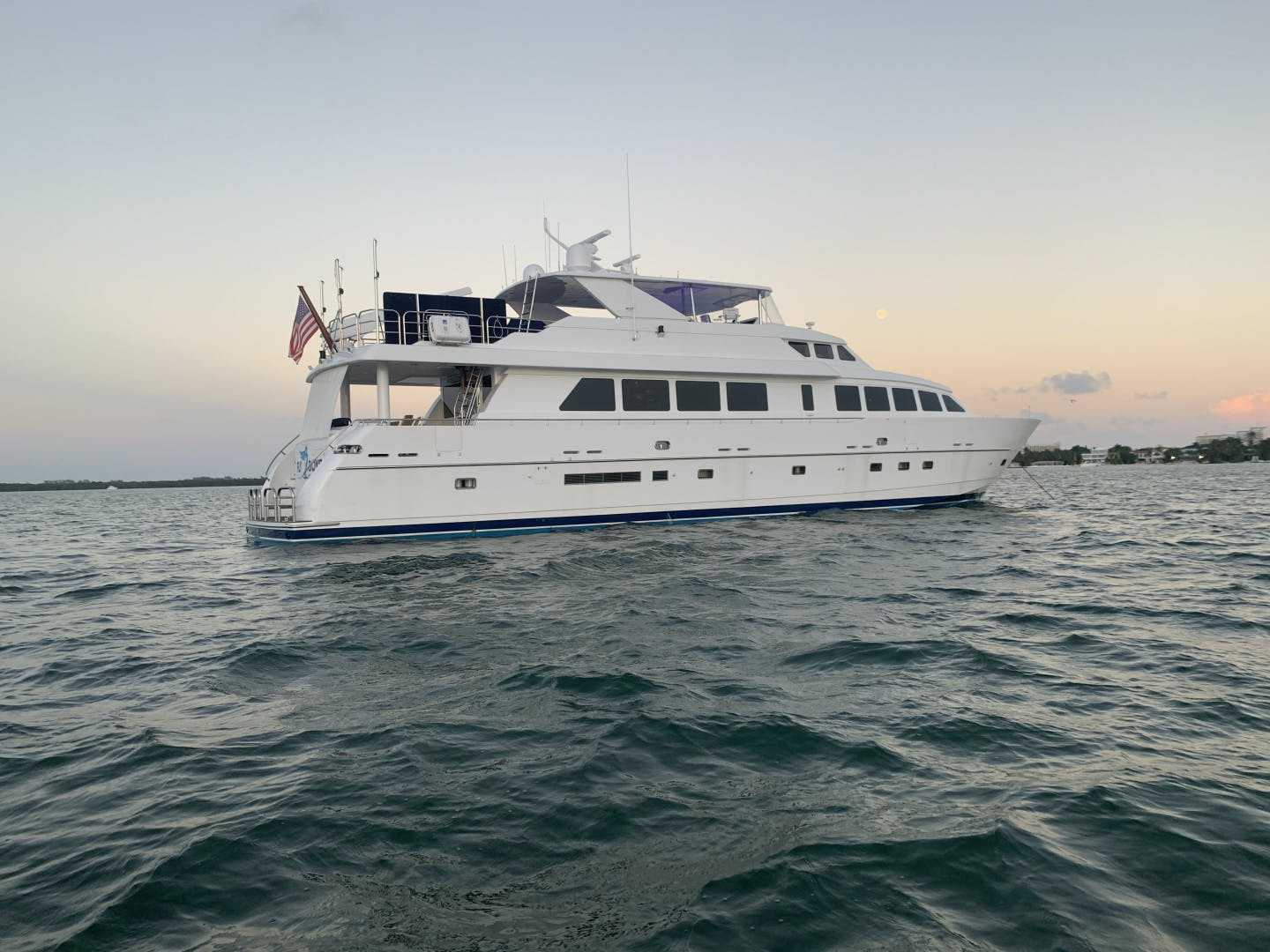 2002 Hargrave 95' Raised Pilothouse FLY BOYS   Picture 1 of 30