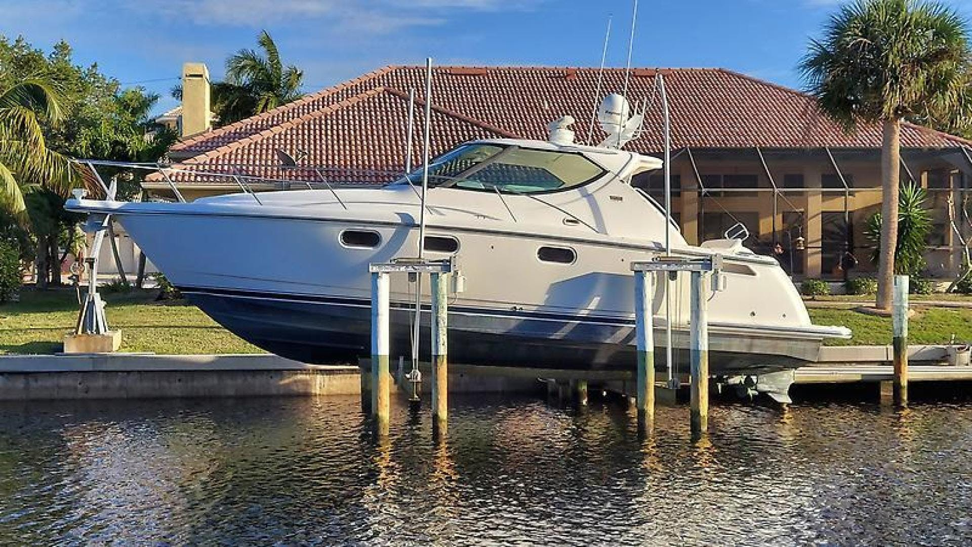 2007 Tiara Yachts 39' 39 Sovran Why Knot | Picture 1 of 25