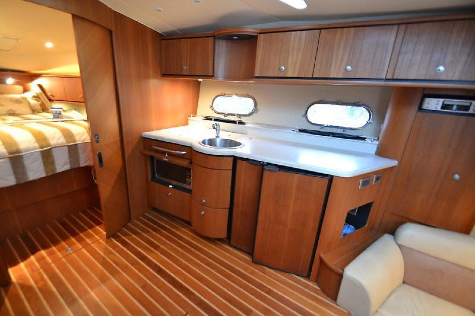 2007 Tiara Yachts 39' 39 Sovran Why Knot | Picture 6 of 25