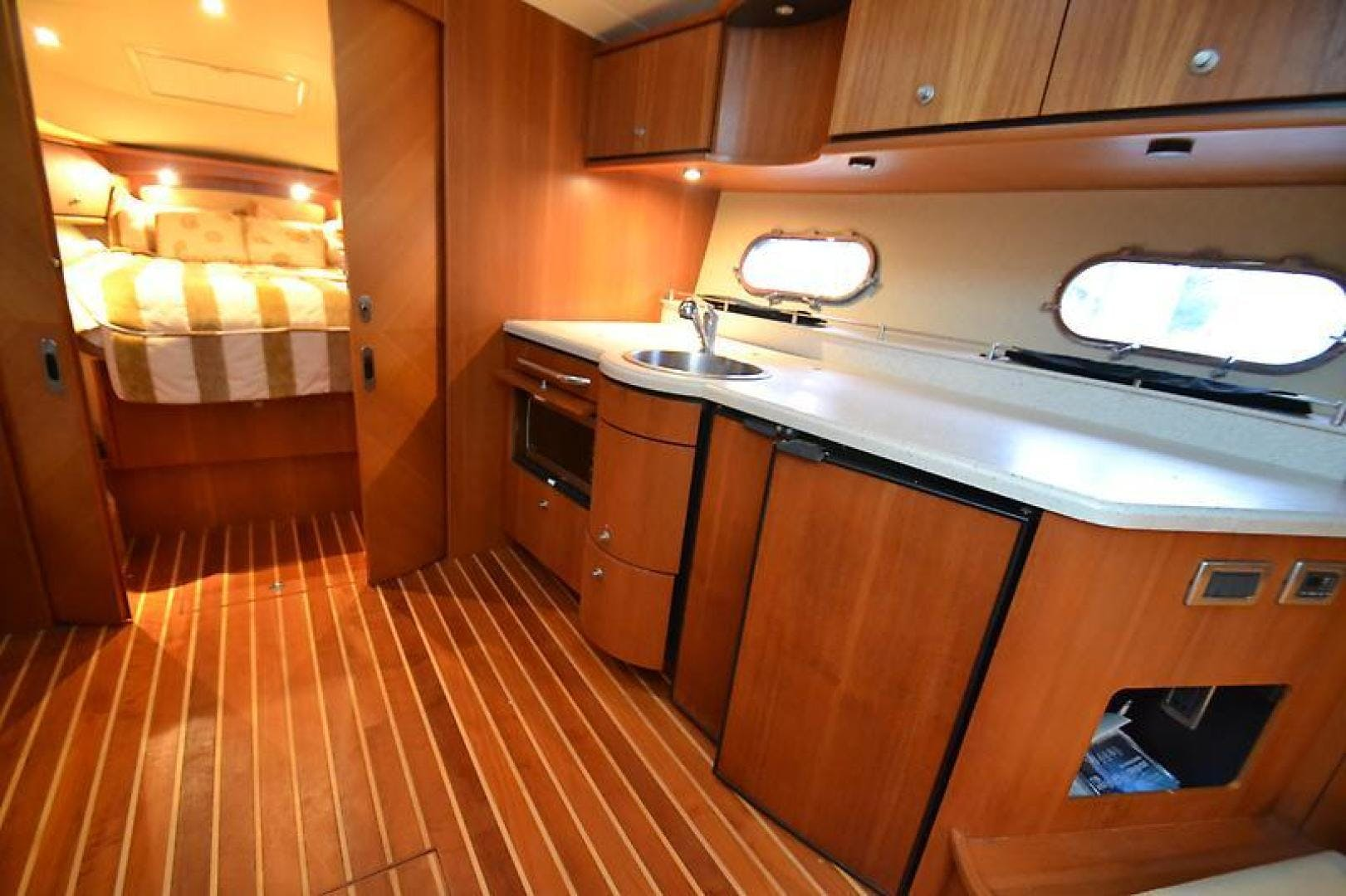 2007 Tiara Yachts 39' 39 Sovran Why Knot | Picture 7 of 25