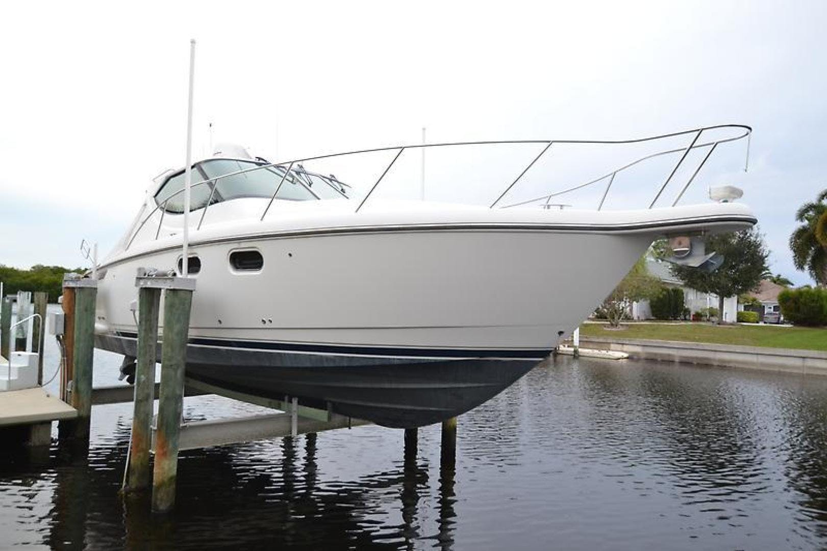 2007 Tiara Yachts 39' 39 Sovran Why Knot | Picture 3 of 25