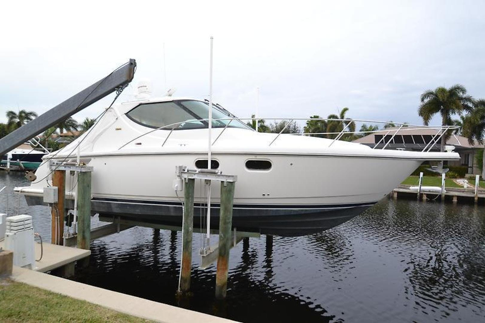 2007 Tiara Yachts 39' 39 Sovran Why Knot | Picture 2 of 25