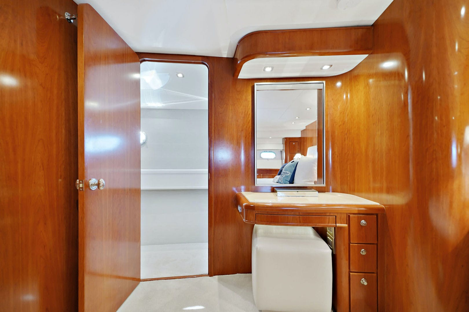 2005 Donzi 73' Convertible Century Star | Picture 7 of 41
