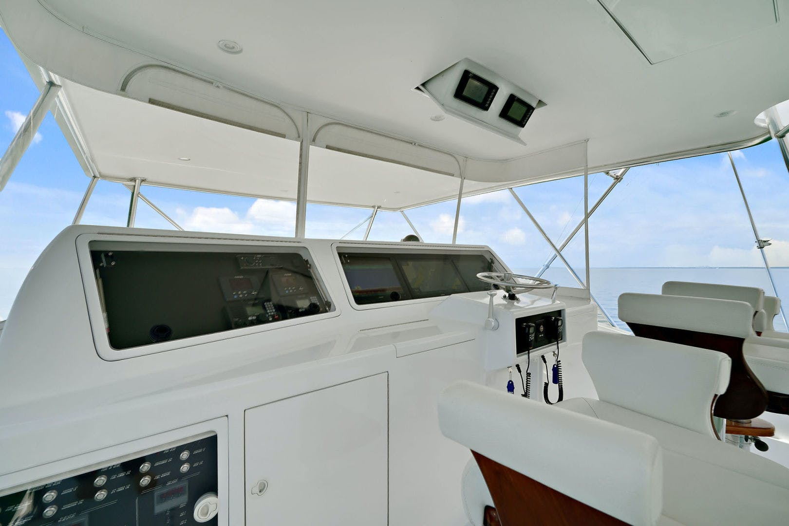 2005 Donzi 73' Convertible Century Star | Picture 4 of 41
