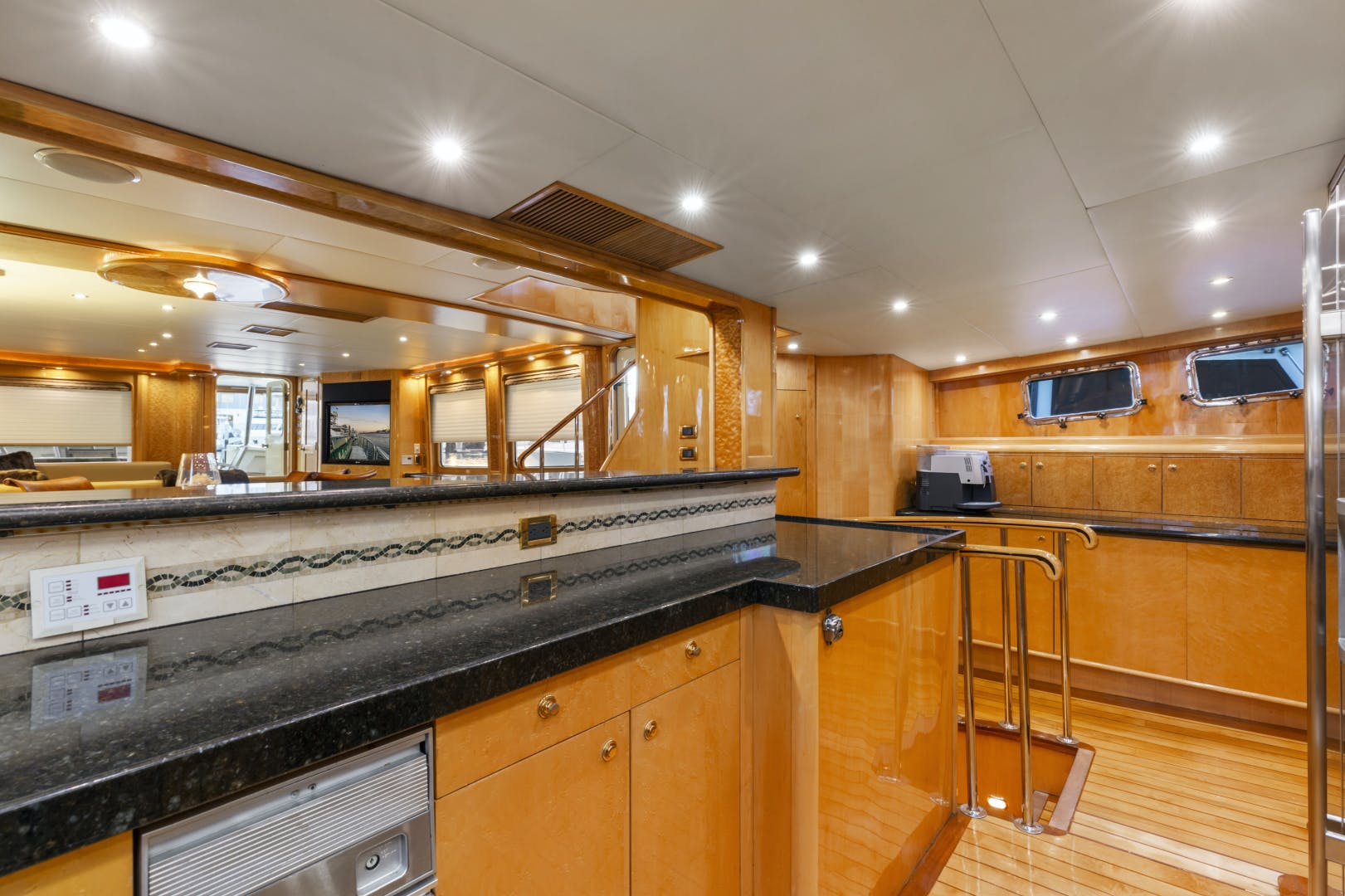 1985 Delta Marine 84' Expedition HOLIDAY | Picture 7 of 48