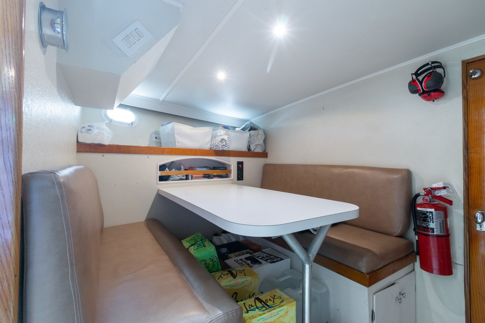 1972 Trumpy 72' Houseboat DOVETAIL | Picture 4 of 31