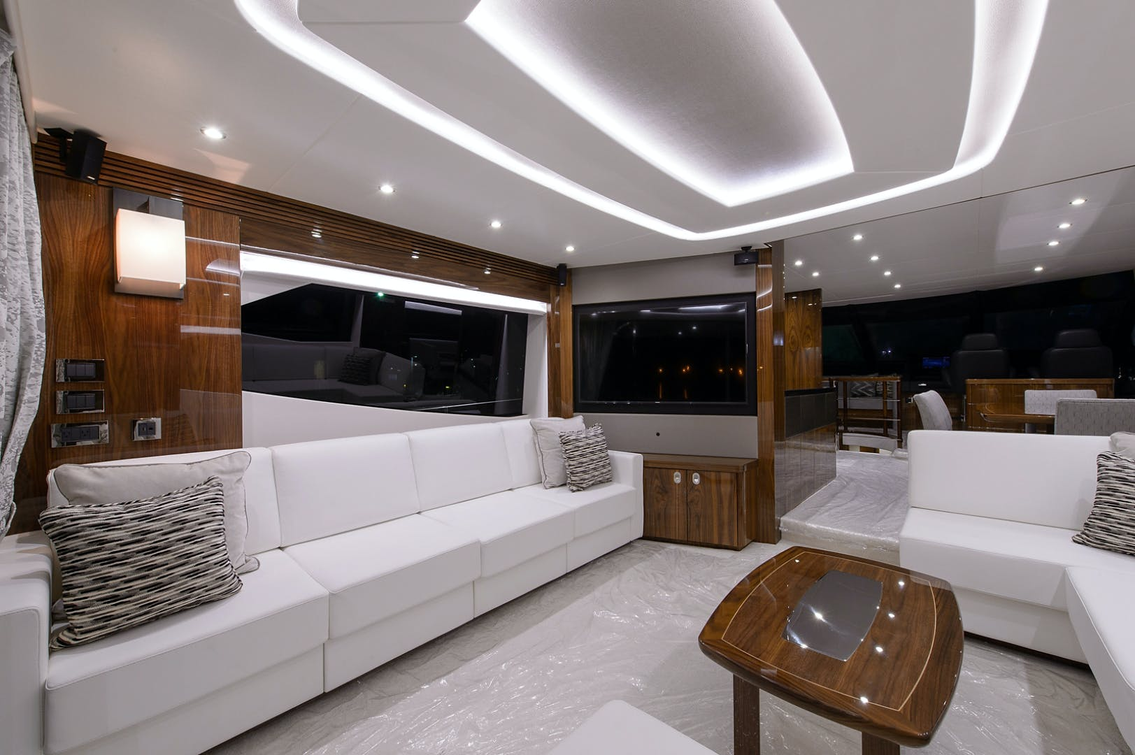 2017 Sunseeker 75' 75 Yacht Claudia | Picture 4 of 106