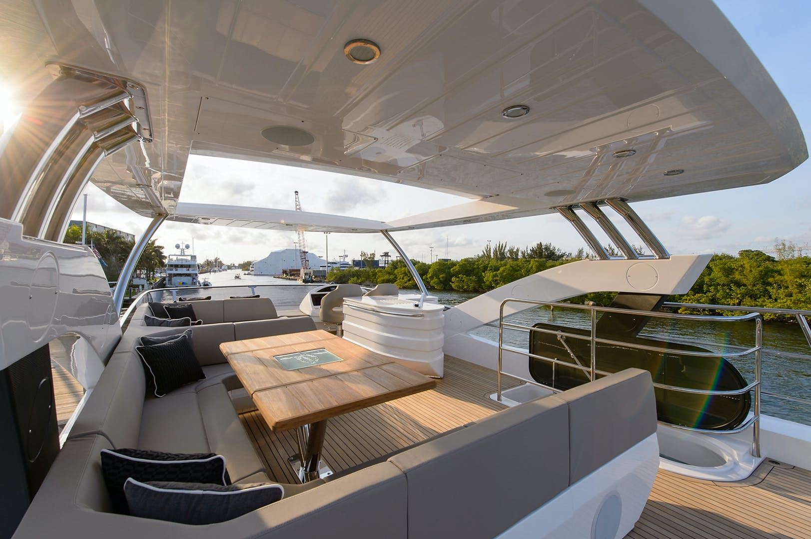 2017 Sunseeker 75' 75 Yacht Claudia | Picture 8 of 106