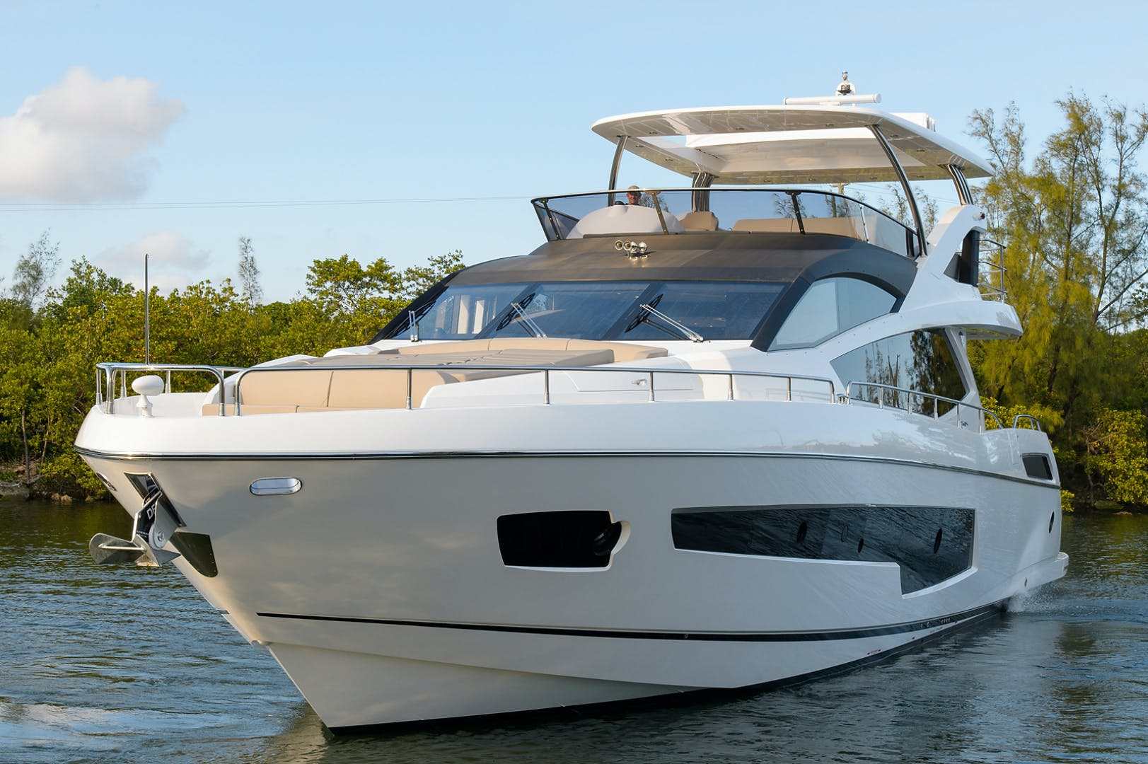 2017 Sunseeker 75' 75 Yacht Claudia | Picture 5 of 106