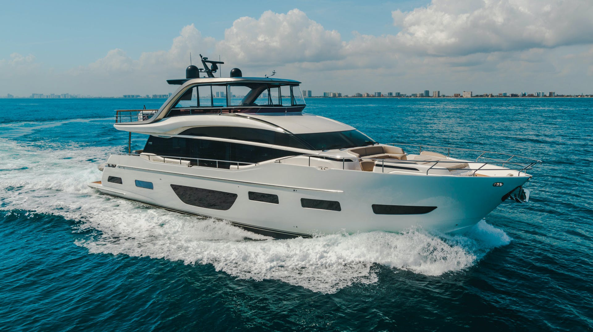 2019 Princess 85' Y85  Splash | Picture 6 of 128