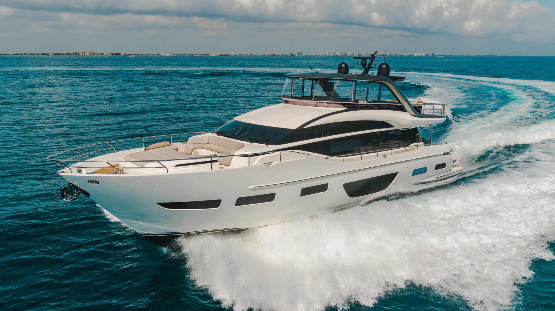 "2019 Princess 85' Y85  ""Splash"""