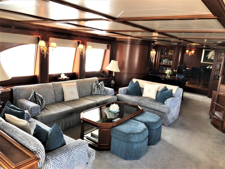 2000 Ferretti Yachts 90' Custom Line Navetta 27 MYEERAH | Picture 1 of 20