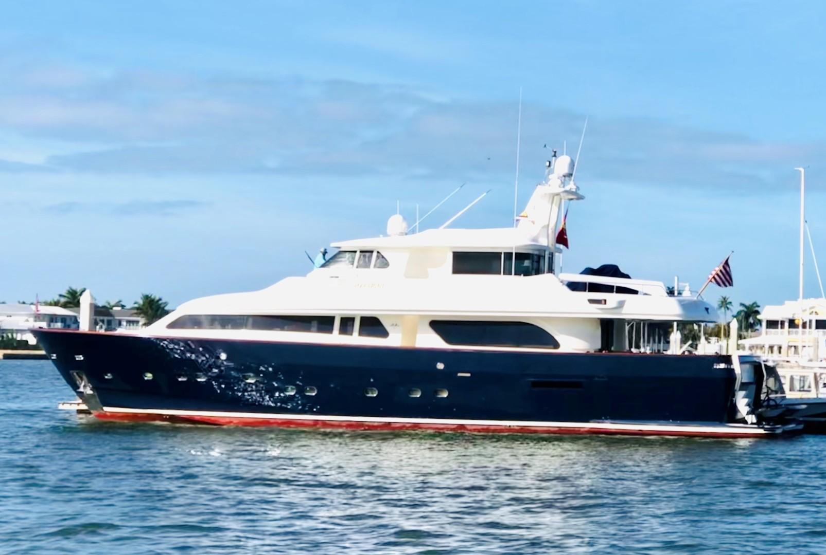"""2000 Ferretti Yachts 90' Custom Line Navetta 27 """"MYEERAH"""""""