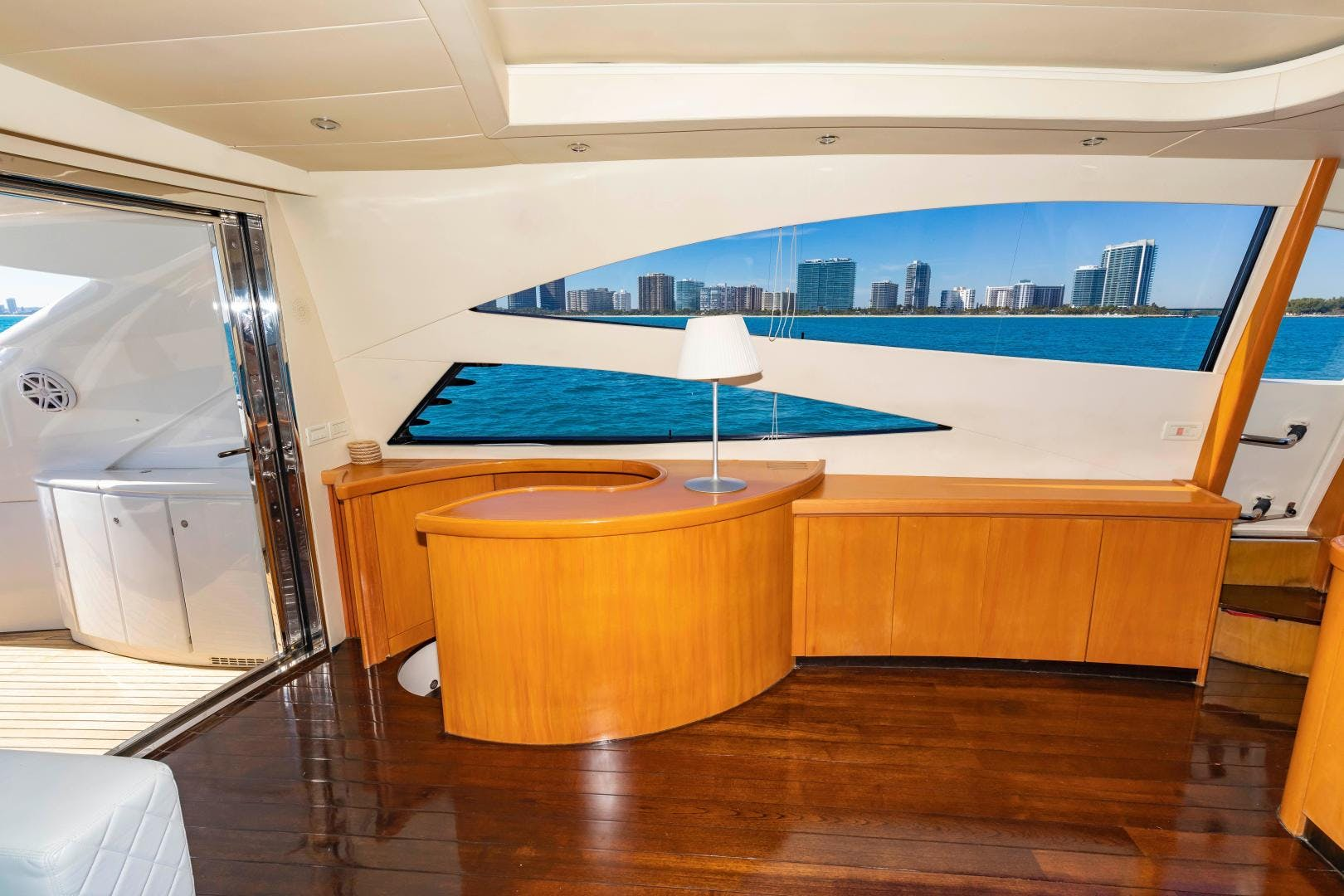 2004 Pershing 76' 76 FREE SPIRIT | Picture 8 of 78
