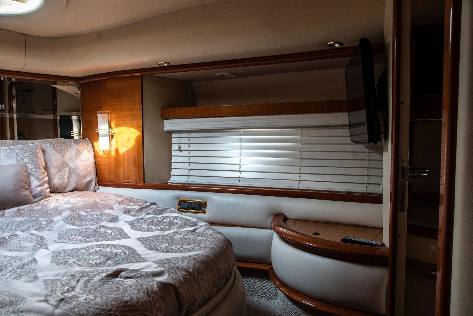 2004 Azimut 62'  Copasetic | Picture 2 of 82