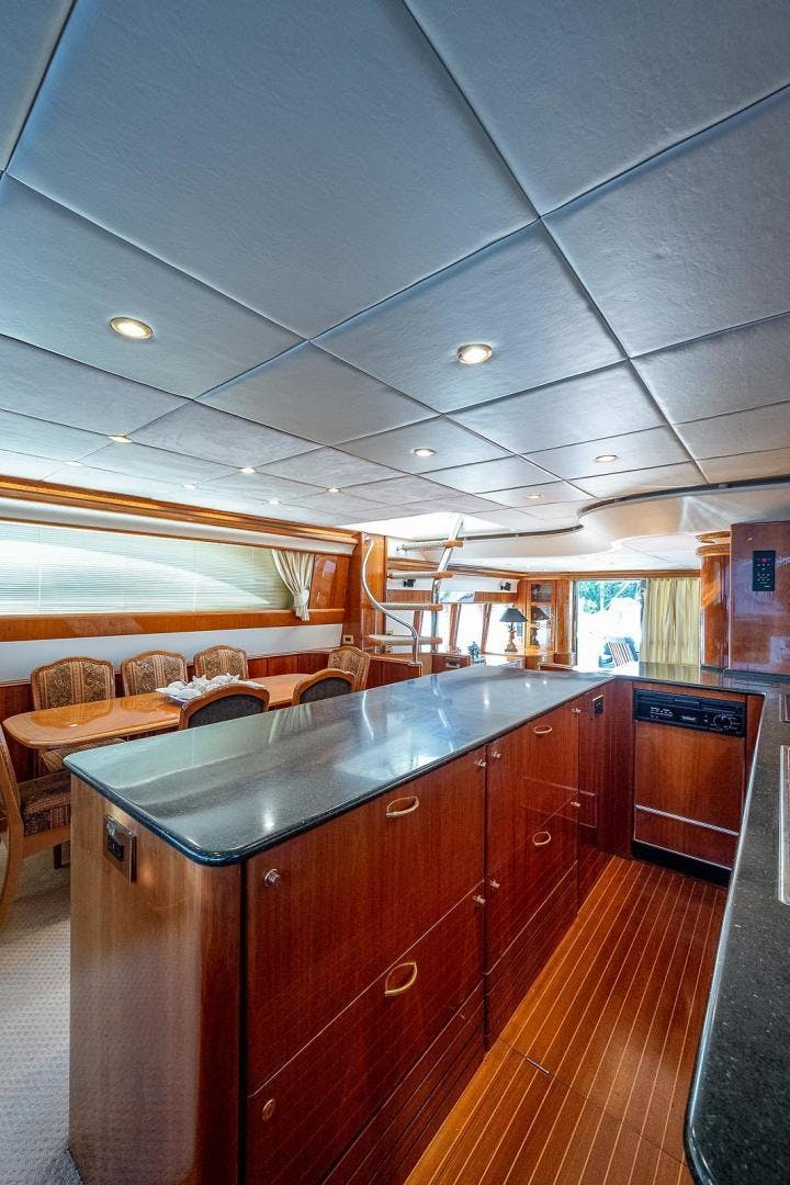 2000 Viking Sport Cruisers 72'  OCTOBER PRINCESS | Picture 3 of 104