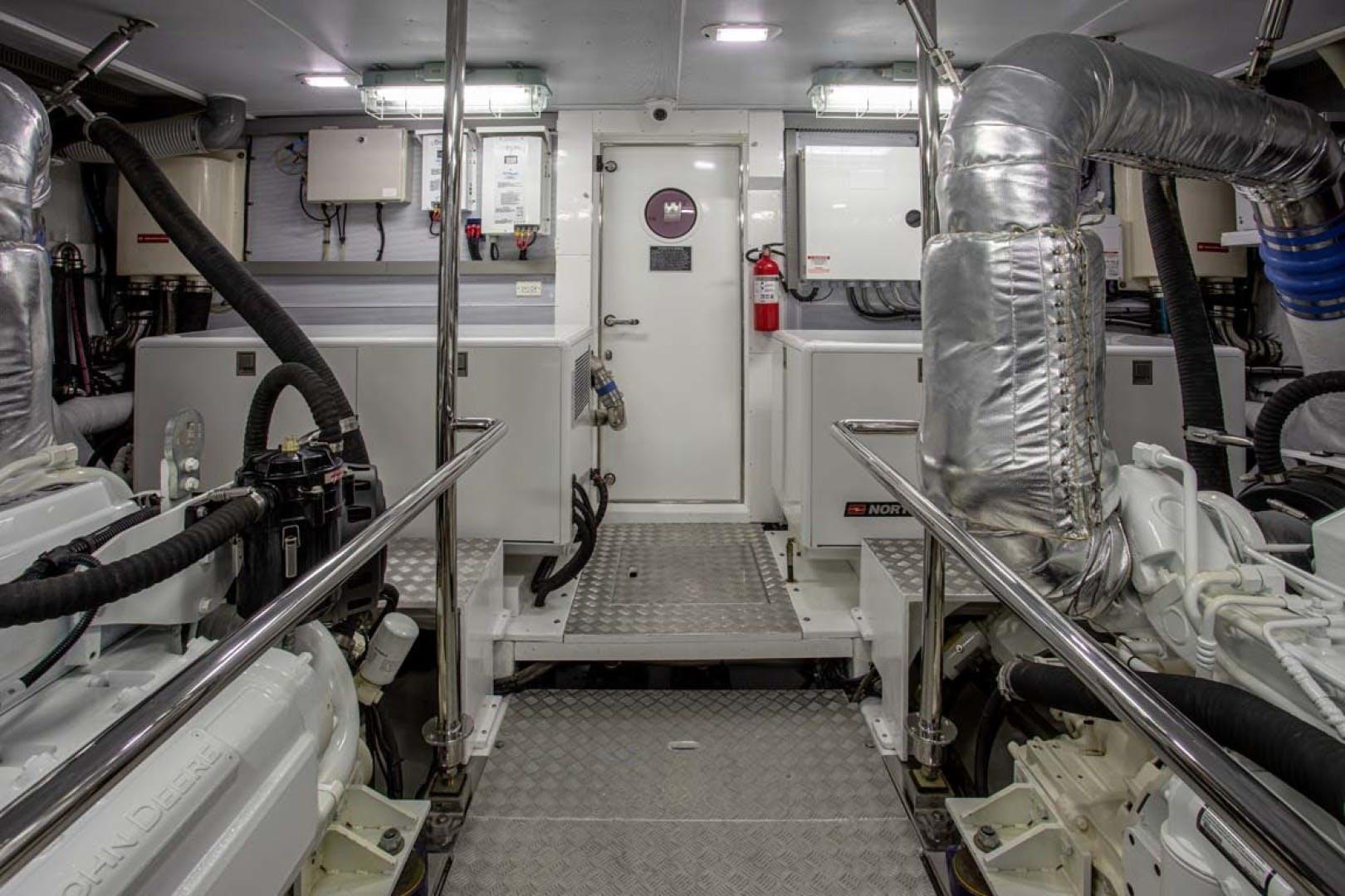 2020 President 87' 870 Tri Deck LRC Loretta | Picture 5 of 68