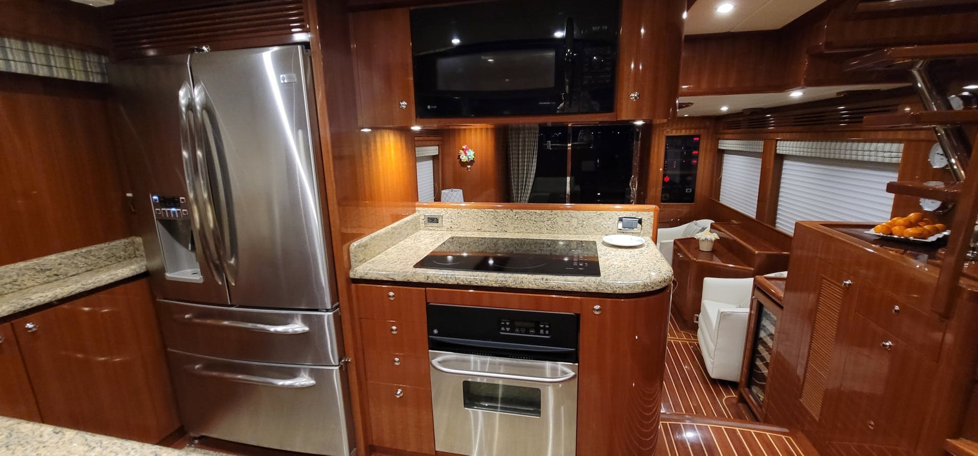 2014 Hampton 64' 640 Endurance Crystal Lady | Picture 7 of 55