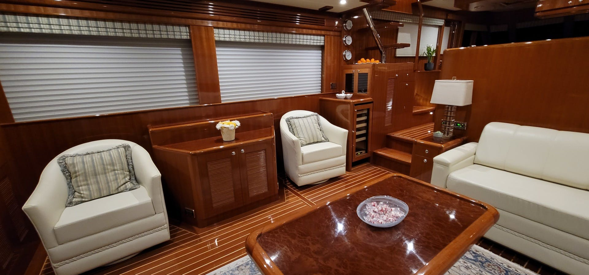 2014 Hampton 64' 640 Endurance Crystal Lady | Picture 6 of 55