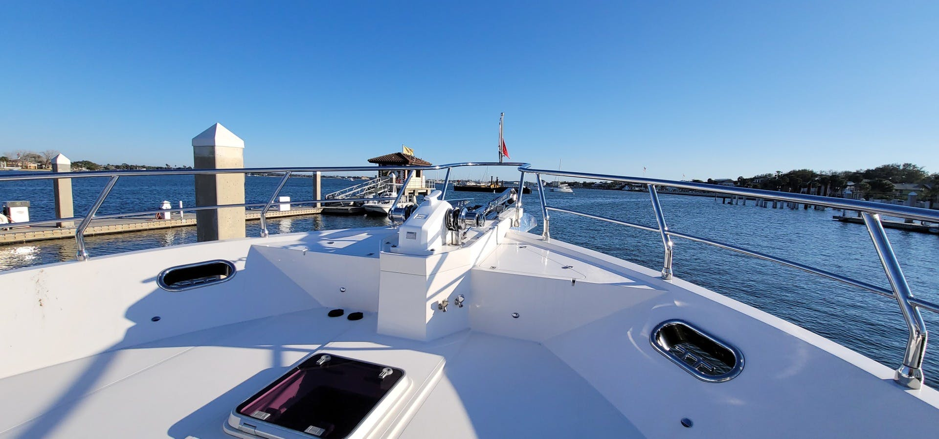 2014 Hampton 64' 640 Endurance Crystal Lady | Picture 2 of 55