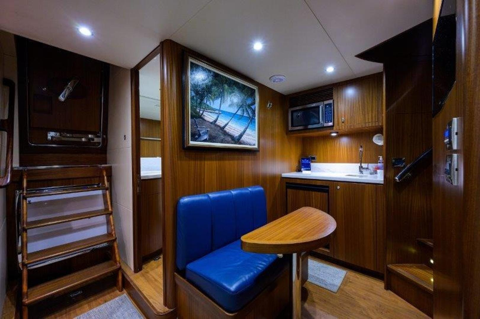 2011 Ocean Alexander 88' Skylounge AMAZING GRACE   Picture 8 of 59