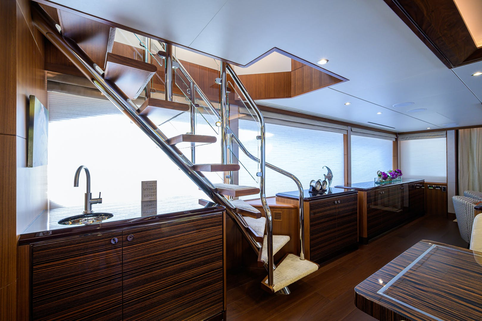 2019 Ocean Alexander 100' Motor Yacht Seasons in the Sun | Picture 1 of 39