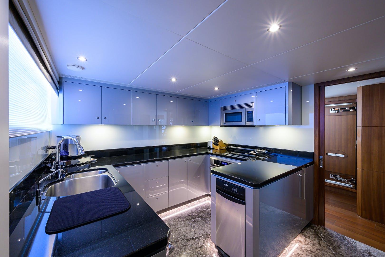 2019 Ocean Alexander 100' Motor Yacht Seasons in the Sun | Picture 7 of 39