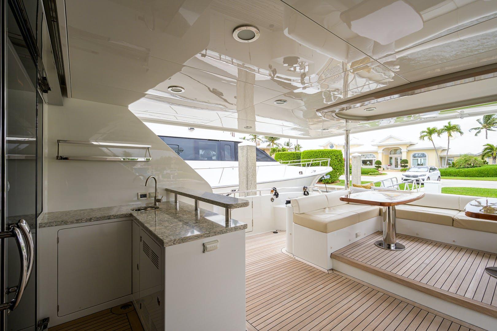 2019 Ocean Alexander 100' Motor Yacht Seasons in the Sun | Picture 4 of 39