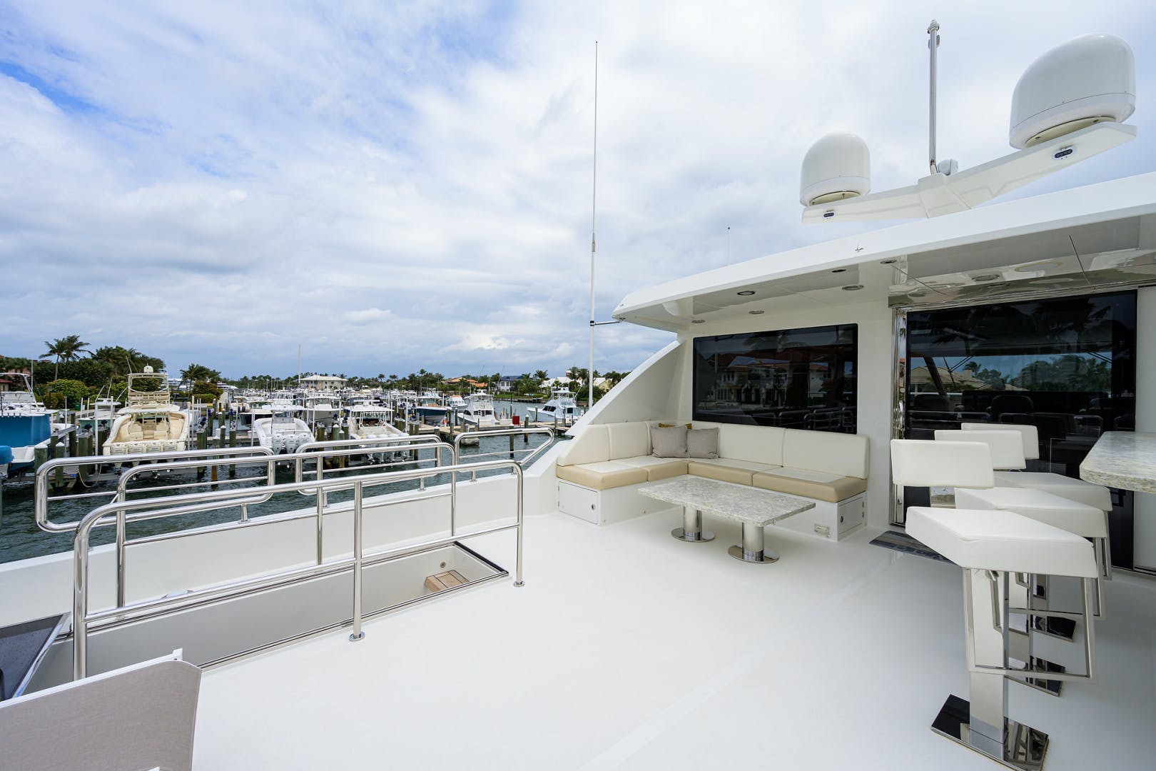 2019 Ocean Alexander 100' Motor Yacht Seasons in the Sun | Picture 6 of 39