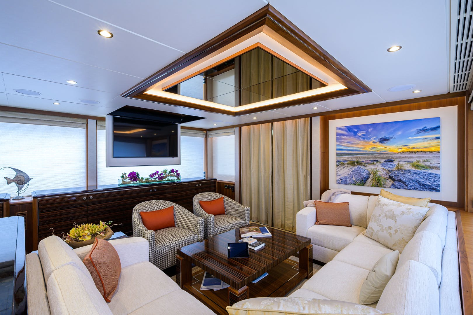 2019 Ocean Alexander 100' Motor Yacht Seasons in the Sun | Picture 8 of 39