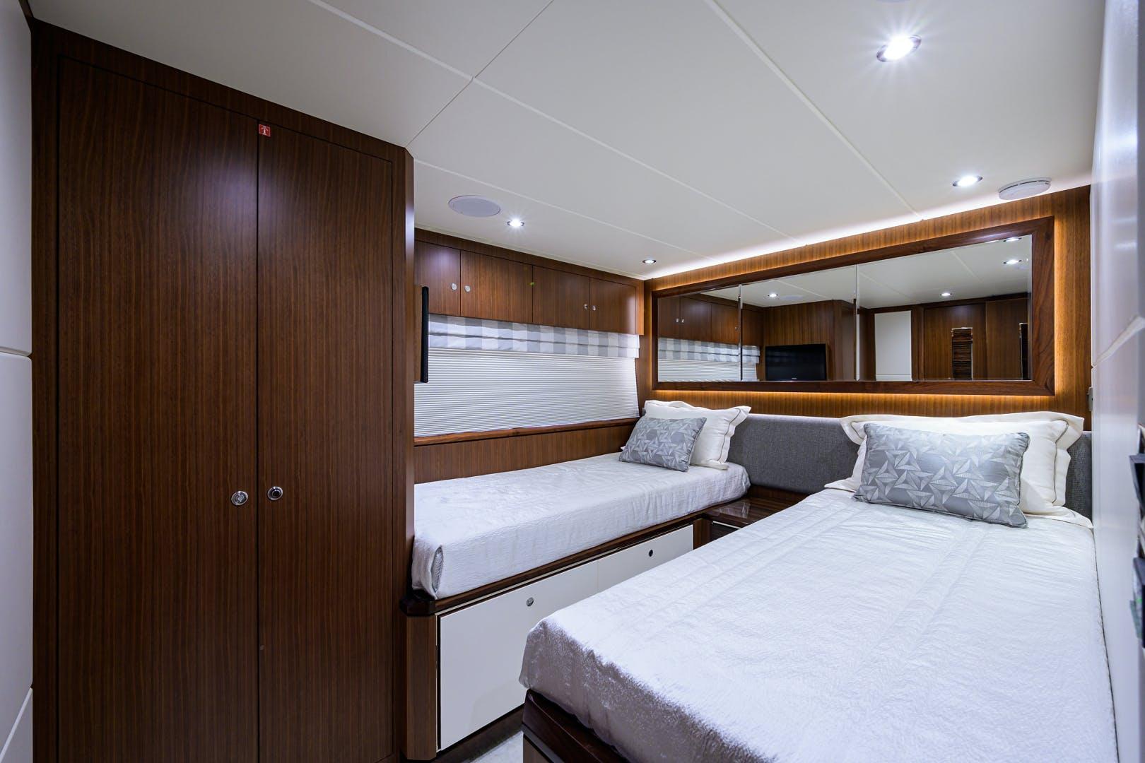 2019 Ocean Alexander 100' Motor Yacht Seasons in the Sun | Picture 2 of 39