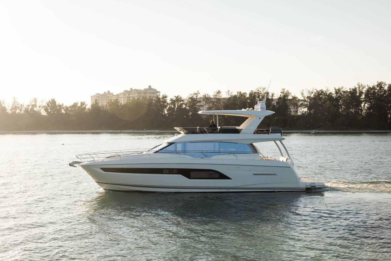 2018 Prestige 63' 630 Seaduction   Picture 4 of 52