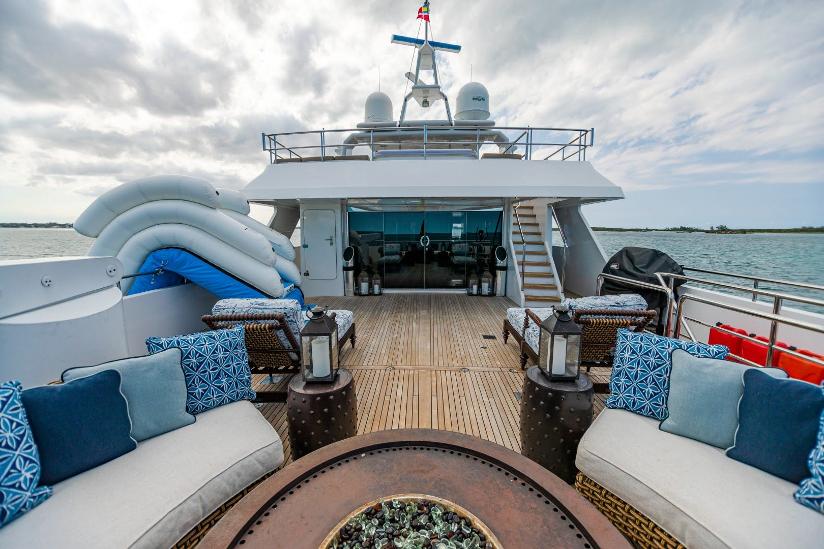 1986 Heesen Yachts 125' Tri-Deck SEA AXIS   Picture 6 of 56