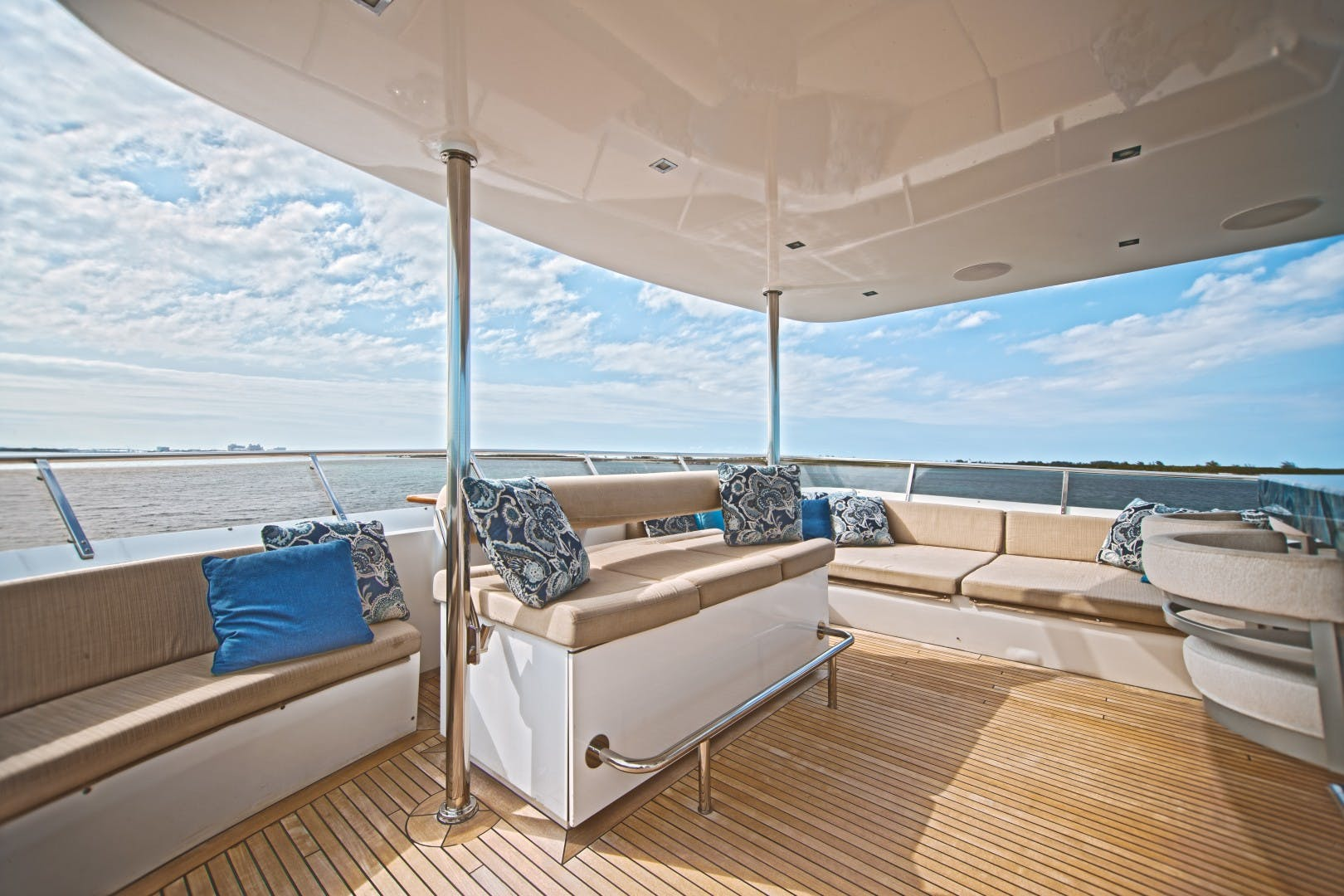 1986 Heesen 125' Tri-Deck SEA AXIS | Picture 5 of 15