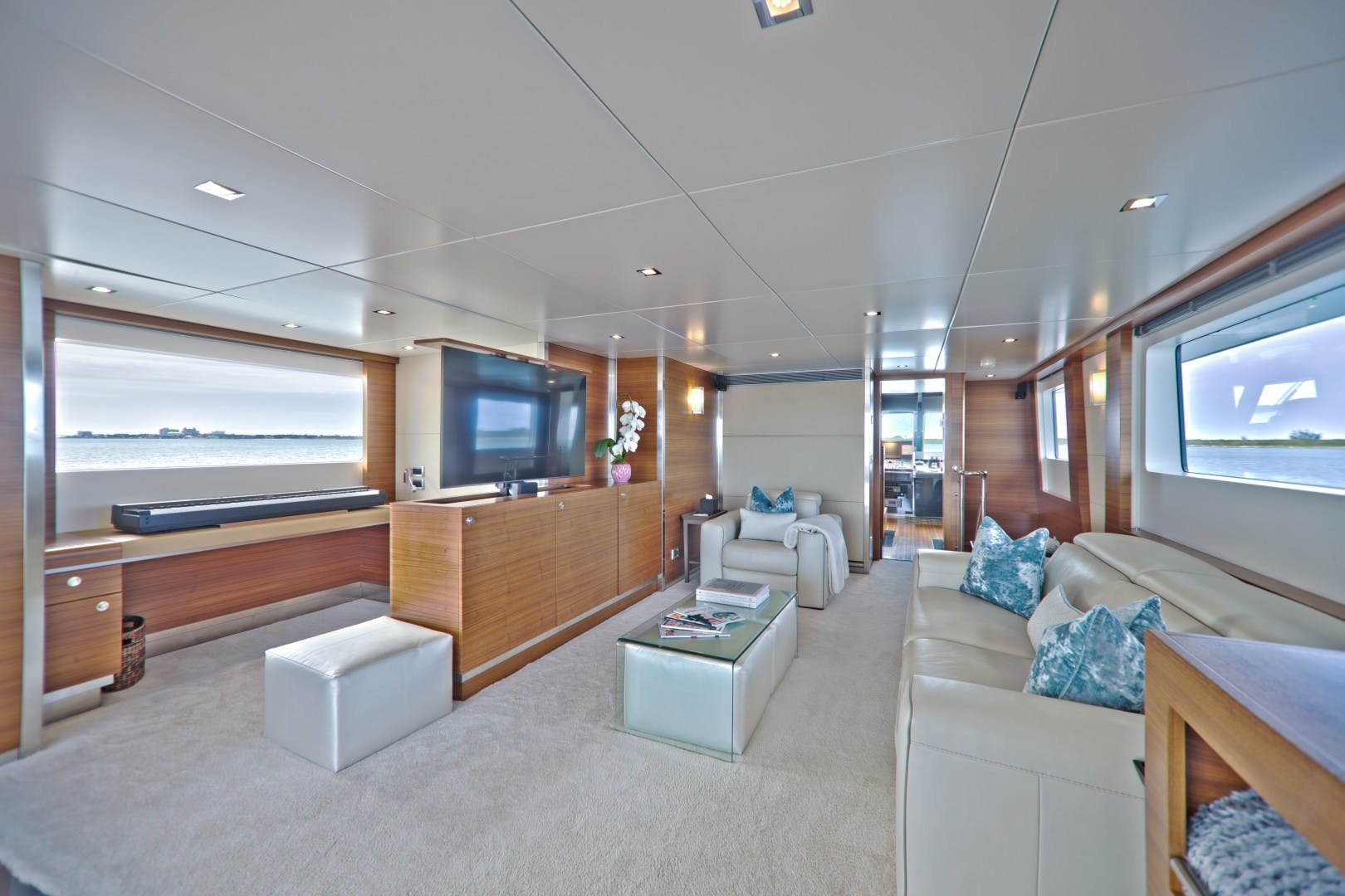 1986 Heesen 125' Tri-Deck SEA AXIS | Picture 8 of 15
